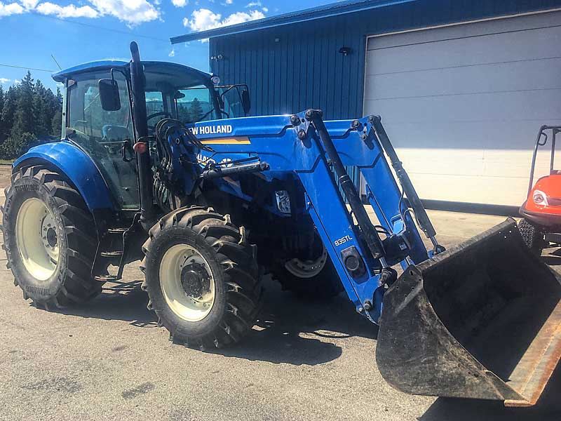 New Holland T5.115 Tractor Loader
